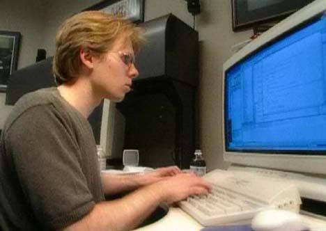 Джон Кармак за своим 28-дюймовым FullHD-монитором, за которым он программировал игру Quake в 1995-м году