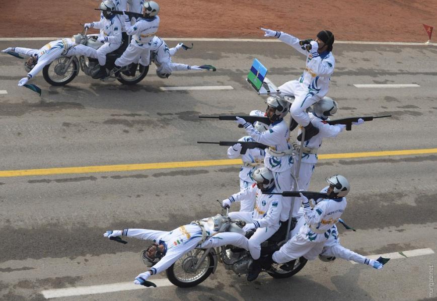 Индийский мотоциклетный парад