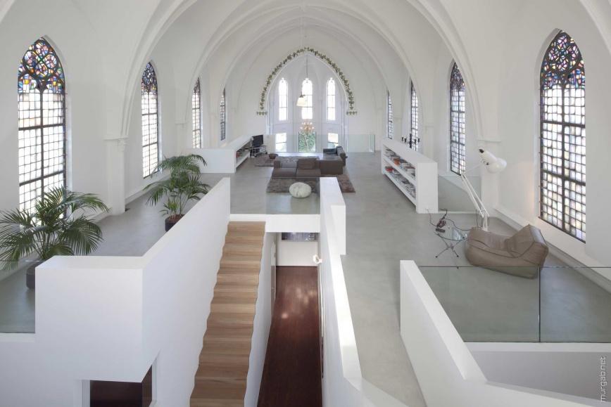 Квартира в бывшей церкви
