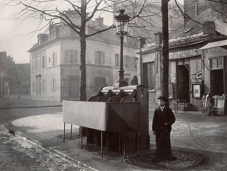 Общественные туалеты в столице Франции